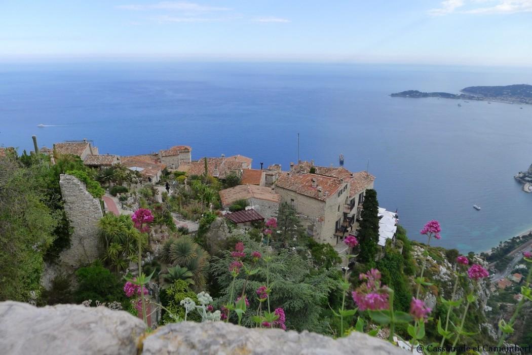 Le village d 39 eze perch au bord de la m diterran e - Ville bord de mer mediterranee ...