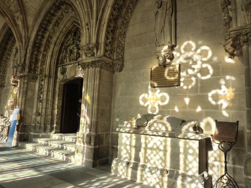 Gisant cloitre cathedrale de Burgos