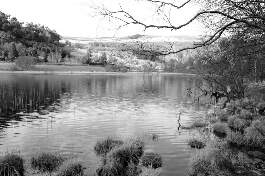 Lower Lake Glendalough en noir et blanc
