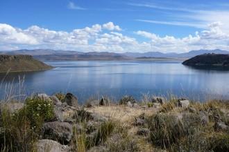 Berges du lac Umayo a Sillustani