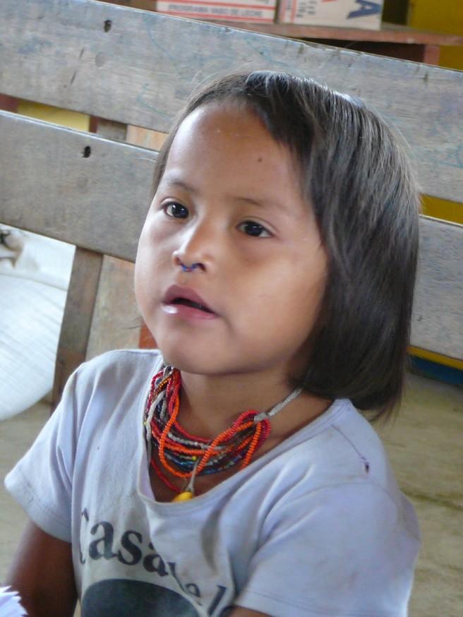 Comunidad nativa de Huacaria - Petite fille
