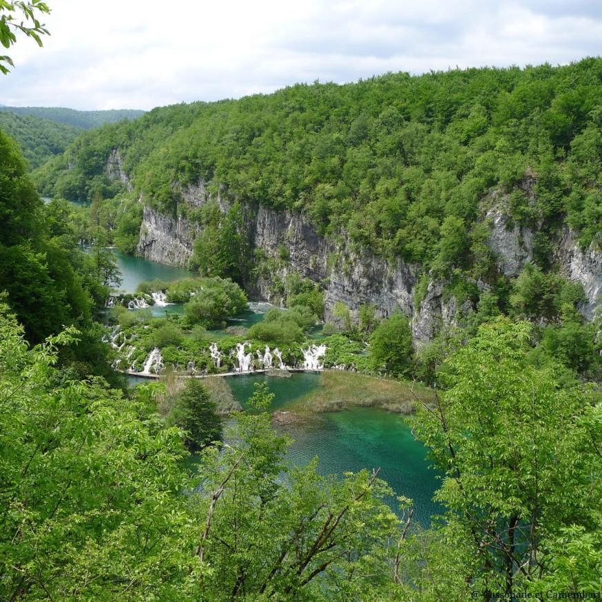 Vue sur lacs inferieurs Plitivice
