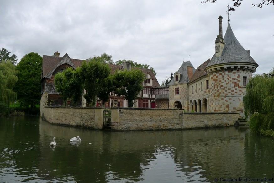 Douves St-Germain-de-Livet chateau pays d auge