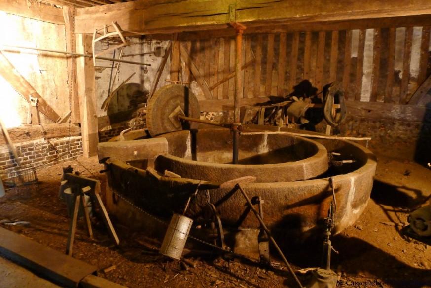 Pressoir pommes cidre manoir de Bellou pays d auge