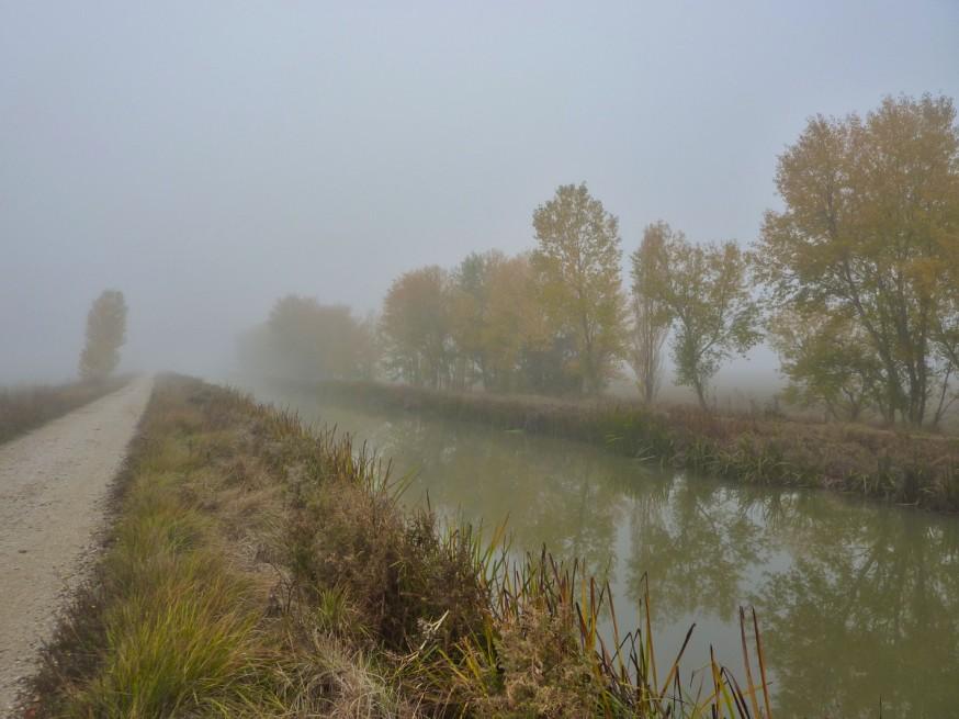 Canal de Pisuerga Compostelle Meseta