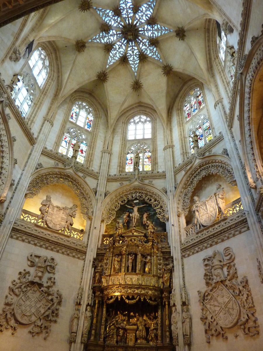 L`ESPAGNE – MOEURS ET PAYSAGES - avec les traditions catholiques de ce pays Interieur-cathedrale-de-Burgos