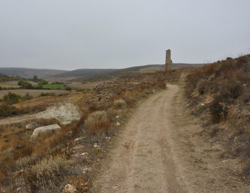 Ruines de Valdemoro Compostelle Meseta Hornillos Castrojeritz