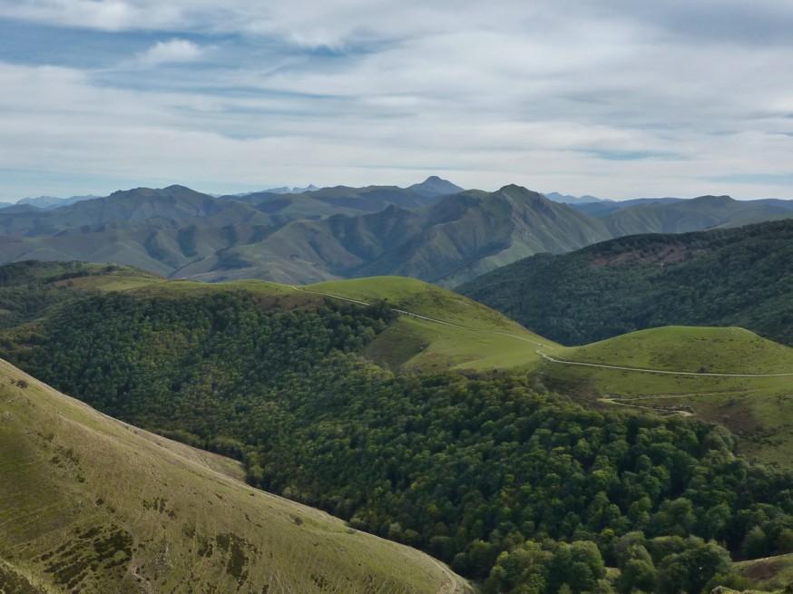 Vue pyrenees compostelle roncevaux