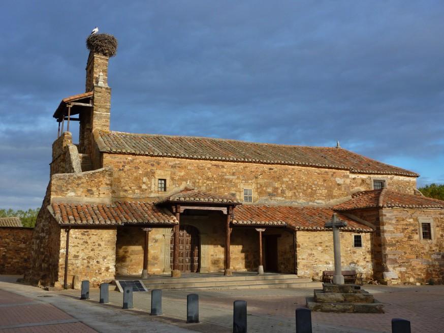 Compostelle - Bierzo - Eglise entre Astorga et Rabanal
