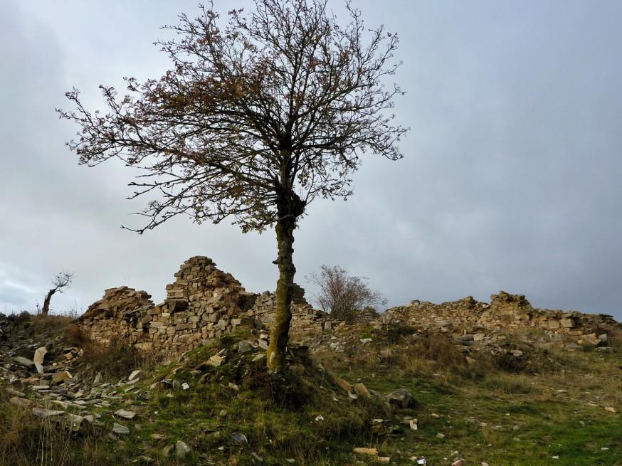 Compostelle - Bierzo - Village en ruines de Manjarin