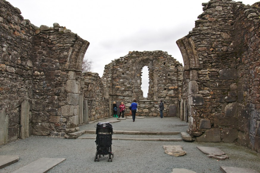 Ruines eglise site monastique de Glendalough