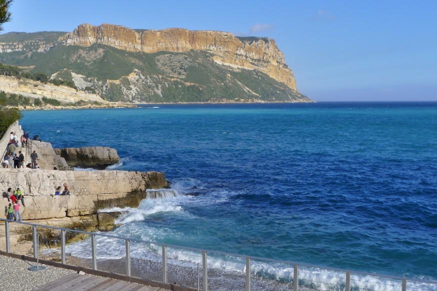 Plage de Cassis - Vue sur le Cap Canaille