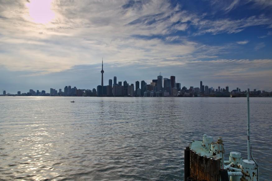 Vu sur Toronto depuis Ward Island - Iles de Toronto