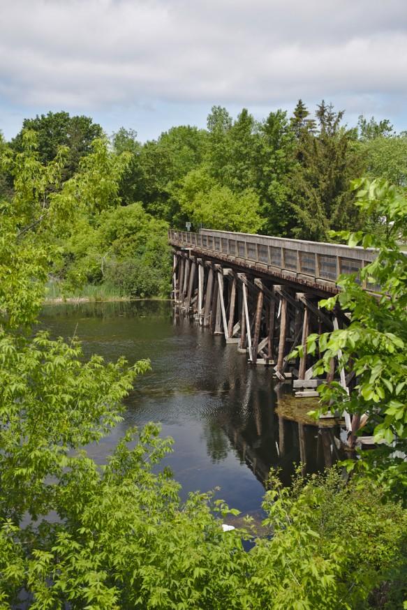 Pont sur la rivière - Ste-Marie-among-the-hurons - Midland